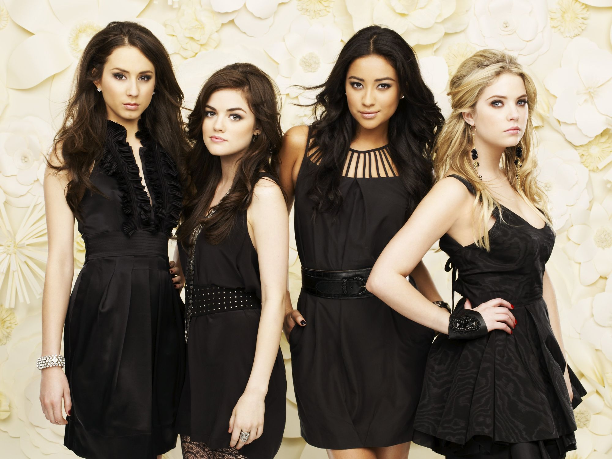 Pretty Little Liars: +12 rész