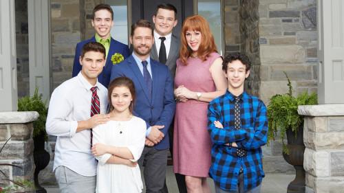 Raising Expectations-cast
