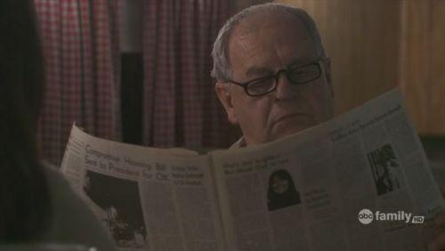 Huge - 1x01 - újság - b