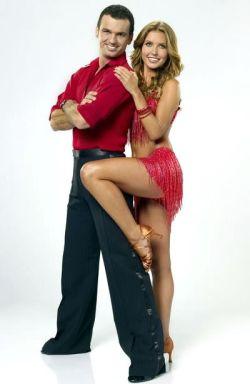 Audrina-Patridge-Dancing-With-The-Stars-11-PHOTOS-kis