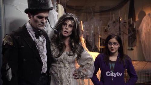 Modenr Family - 2x06 - b