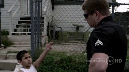 Southland - 3x10-c