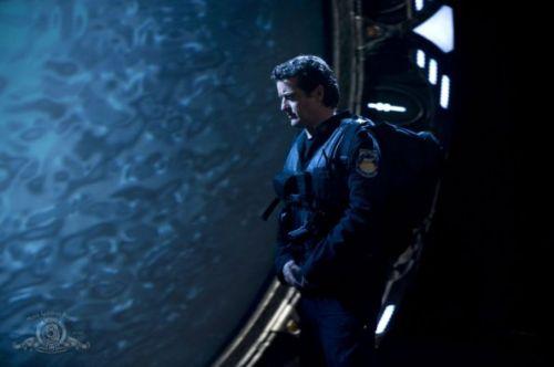 Stargate Universe-01