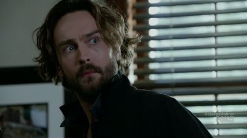 Sleepy Hollow - 3x01-04