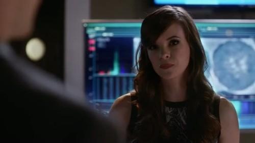 The Flash - 2x02 - Caitlin-3