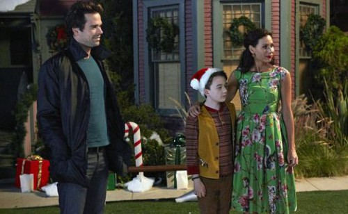 "ABOUT A BOY -- ""About a Christmas Carol"" Episode 208 -- Pictured: (l-r) David Walton as Will, Benjamin Stockham as Marcus, Minnie Driver as Fiona -- (Photo by: Ben Cohen/NBC)"