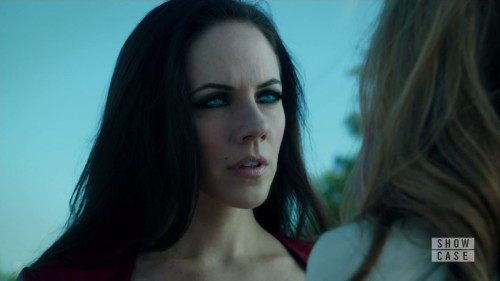 Lost Girl-4