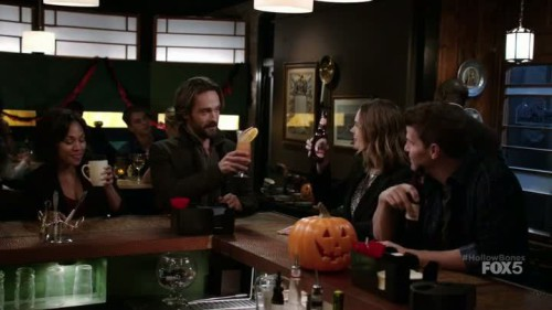 Sleepy Hollow-Bones-05