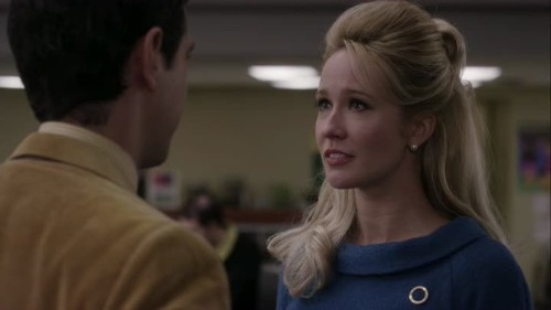 Good Girls Revolt-1x01-09