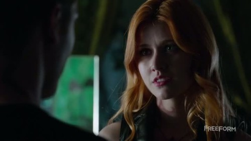 Shadowhunters - 1x02-05