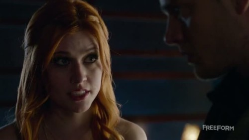 Shadowhunters-1x13-02