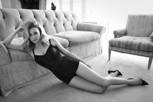 emily-vancamp-in-sharp-magazine_2
