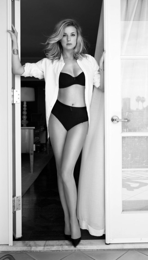 emily-vancamp-in-sharp-magazine_4