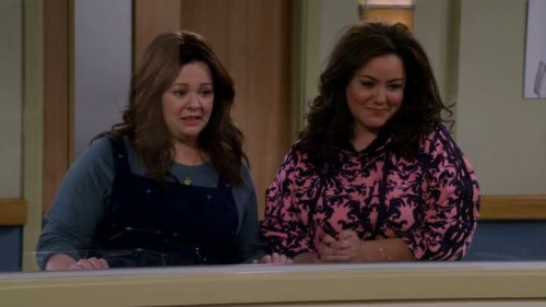 Mike and Molly-6x13-02