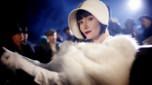 MIss Fisher-01