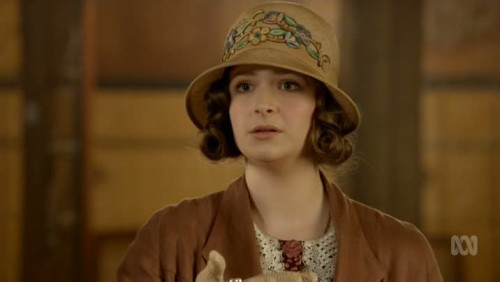 MIss Fisher-04