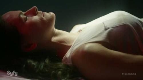 Van Helsing - 1x01-01