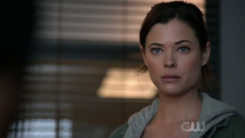 frequency-1x01-04